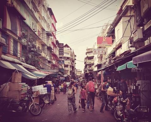 Di come ho incontrato la Sora Lella-ng a Bangkok