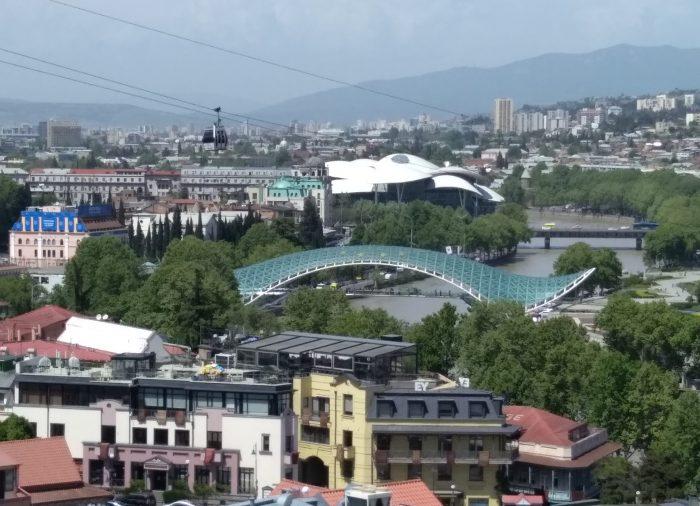 Lo zoo di Tbilisi. Cartoline dalla cronaca